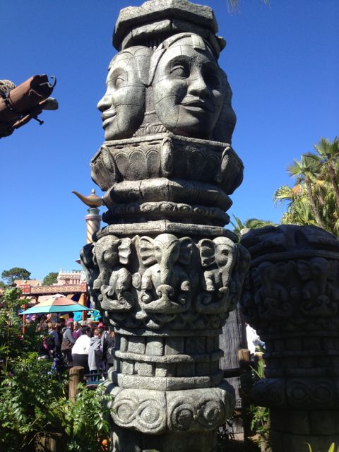 "This new statue was added this week near the Liki Tikis. It's part of Pirates Adventure: Jewels of the Seven Seas. Like Sorcerers of the Magic Kingdom, Disney is creating new high-tech interactive means for occupying your attention while waiting to experience your next attraction. It's building new experiences without having to build a standard ""brick and mortar"" infrastructure."