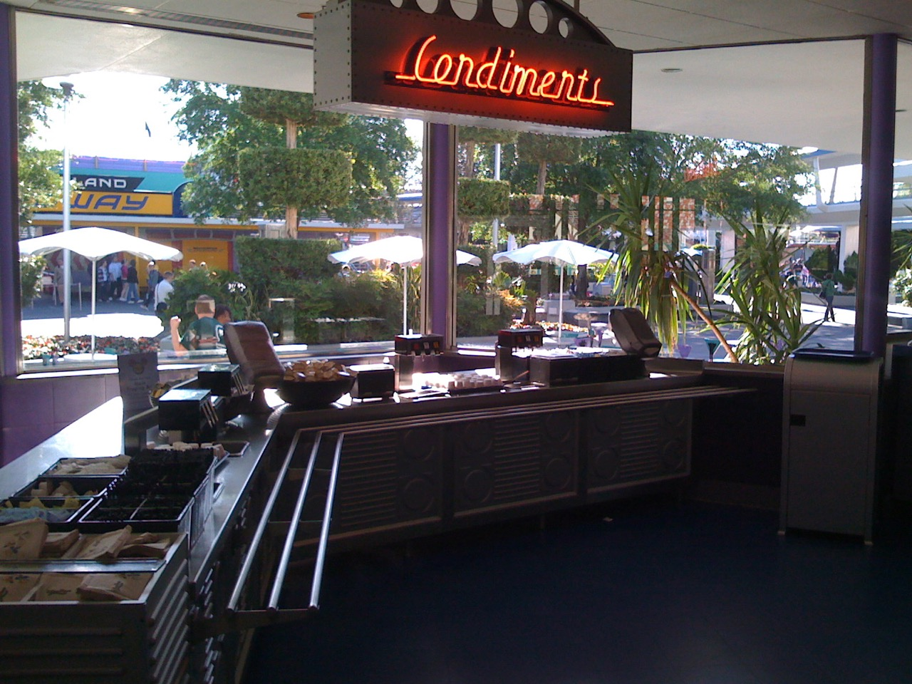 Condiment area is separated out with two-sided queues. Photo by J. Jeff Kober.
