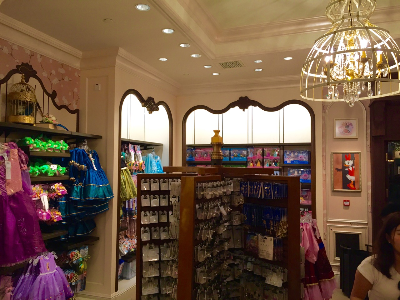 Shanghai Disney Retail